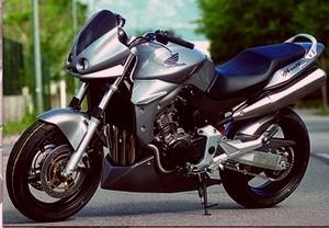 Umbaukit für Honda CB 900 Hornet mit Lenkerverkleidung